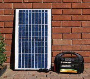 Plug N Play Solar Generator